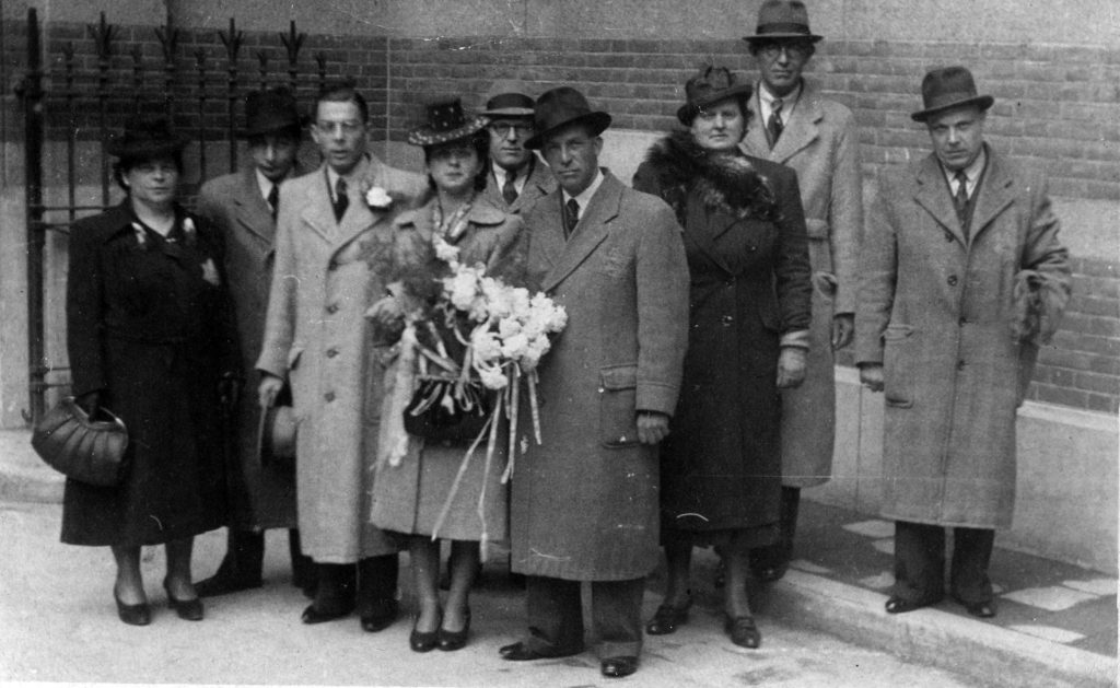 Trouwfoto Rebecca en Maurice met familie