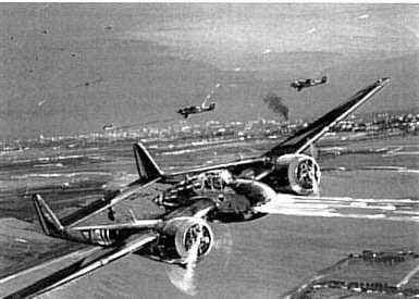 Fokker-vliegtuig boven de Waalhaven, mei 1940